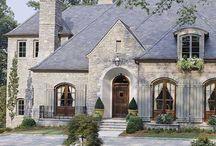Luxury houses / by Yohanna Vernon