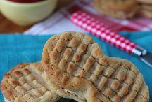 Cookies / by Monique Gordon