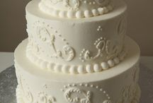 Wedding Cakes I'd Love to Make / Wedding cakes that I think are gorgeous and would be fun to make at the bakery. / by Jamie Reimer