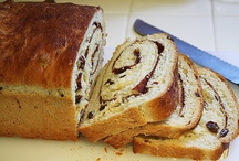 Recipes to Try - Bread / by Martina G