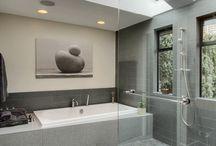 Bathrooms / by Natalie Perks