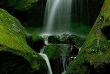 Waterfalls / by Diana Lewis