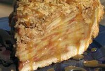Pies / by Amber-Lynn Fischer