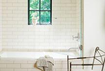 Bathrooms / by Nicole Schauer