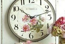 CLOCKS / by Maria Rivera