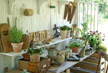 Potting Benches / by Mod Vintage Life {Nita Stacy}