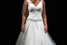 wedding dresses / by Laurie Sodergren-Thompson