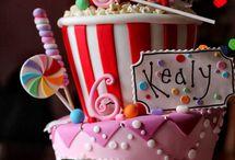 cakes / by Mayra Seijas