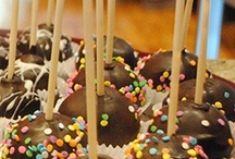 Cake pops / Cake pops are a delicious trend whose time has come! Cupcake DownSouth loves, loves, loves it / by Cupcake DownSouth
