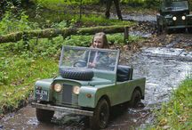 Mini Land Rover / by Xinia Blanco