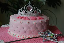 Awesome cakes/cupcakes / by Crystal Melton