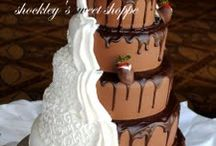Cakes / Beautifully decorated cakes! / by Cindy Allen Coker