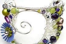 WIRE. Bracelets / by Jolezz Sweet