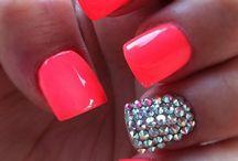 nails!! / by Maggie Baumgartner