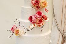 Wedding cakes / by Tinna Kolafa