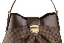 Gotta have purses! / by Christine Rewis