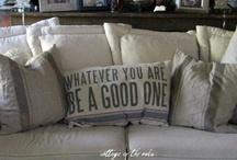 Linens & Pillows / by Deanna Rio