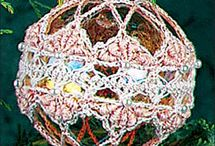CROCHET - FREE Christmas Crochet Patterns / #Free #Crochet Patterns for Christmas / by Oombawka Design