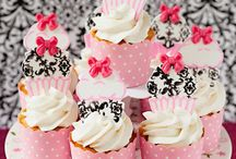 CUPCAKES  / by Marie Moussa