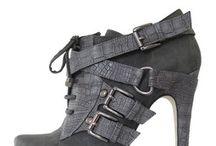 S H O E S &boots / by Deanna Gilliard