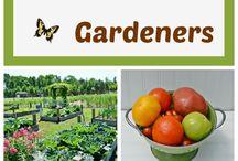 Edible Garden / by Desirae Ballard