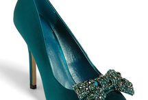 Shoes / by Sheetal Kalyani