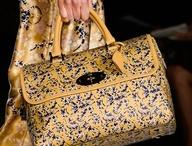 Love Handbags / by Lisa Del Valle