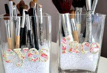 makeup storage ideas / by Karen de Sousa