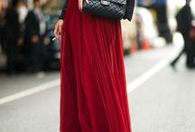 Street fashion junkie. / by Priscila Rocha