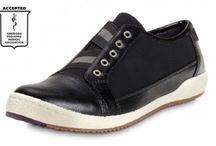 Cool + Comfy Shoes / by Margit Detweiler