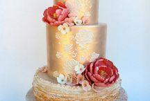 GOLD CAKES / by Antonia Manzano
