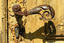 Door Knobs and Latches / by Cary Underwood