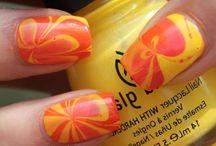 nails / by Mari Serna
