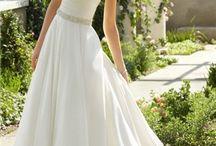 {Weddings}{Diamonds}{Dresses} / Wedding planning / by Felicia Contu-Owen