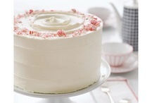 Cakes / by The Sweetest Taste