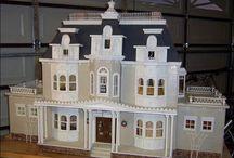 Miniatures / by Erik Kraemer (The DIY and craft guy)