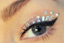 Makeup / by Phoebe Ronderos