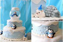 Cake Decorationg :) / by Tina Goodson