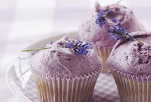 DESSERT: Muffins & Cupcakes / by Andrea Rae