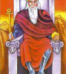 Tarot 5 - o papa - the hierophant  / by Gabriela Simionato Klein