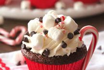 Cupcakes / by Heather Hawks-Cozzi