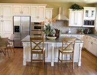 House. Kitchen Love / by Trisha Benson-Priesmeyer