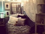 Apartment Ideas / College / by Savannah Page