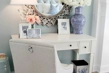 Makeup Vanity & Storage Inspirations / Makeup lover vanity inspiration / by Rana Starr