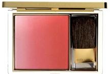 Make-up / by Cosmopolitan France