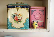 Cajas y latas  / by Rosa Lopez