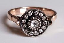 Jewelry / by Jenny Worthington