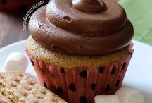 Cupcakes / by Miranda Nunamaker