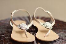 Seaside, Beachy... Weddings / by NY Gets Wed