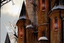 Castles / by Jocelyn Beatty